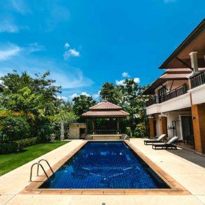 villa-na-phukete-laguna-outrigger-pool