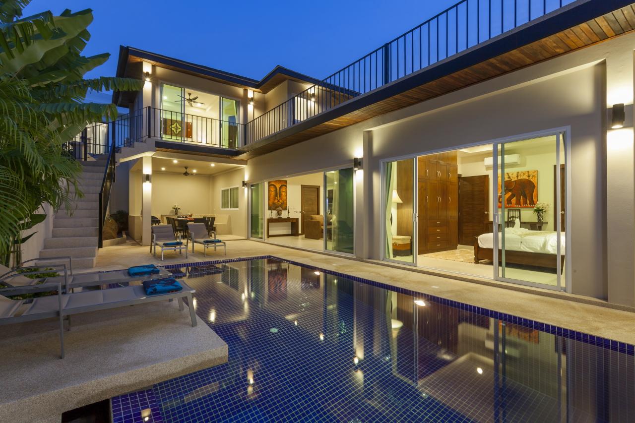 14-2 Pool and villa